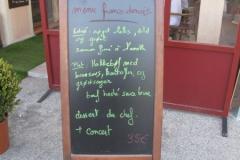 Dansk menu i byens store restaurant ved dansk/fransk kunst- og kulturuge i Provence 2011